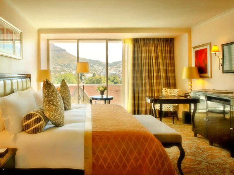 luxury-tower-room-taj